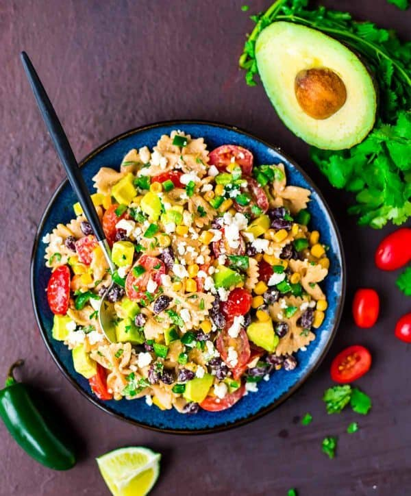 Mexican Pasta Salad. Healthy recipe with NO premade taco seasoning or artificial ingredients. Simple, easy, and delicious! Recipe at wellplated.com | @wellplated