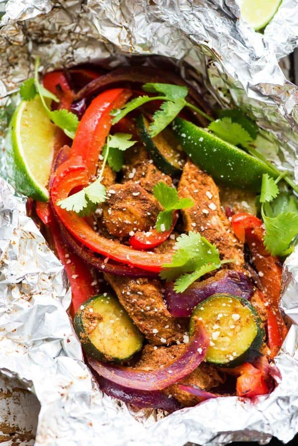 Grilled Chicken Fajita Foil Packets: Our go-to summer dinner! Easy, low carb, gluten free, and so delicious.