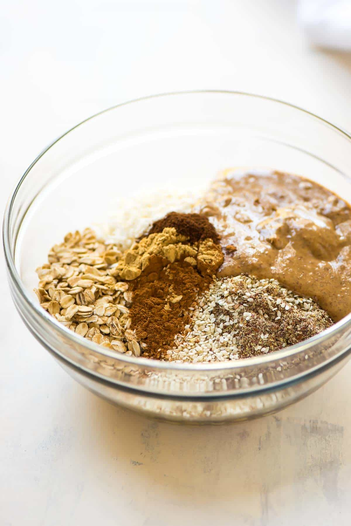 No Bake Protein Balls – Spiced with ginger and good for your skin! Raw, vegan, and gluten free. Recipe at wellplated.com | @wellplated