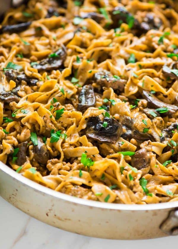The BEST Creamy Chicken Stroganoff. ONE POT, healthy, and ready in 30 minutes! Recipe at wellplated.com | @wellplated