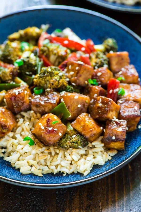 General Tso Tofu. DELICIOUS and so much more healthy than takeout! {vegan, gluten free}
