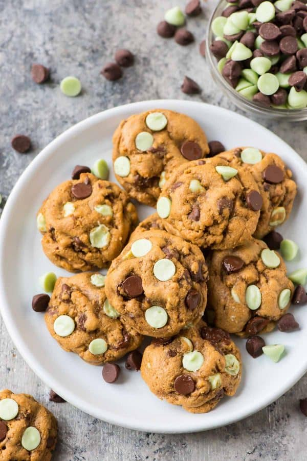 The BEST Mint Chocolate Chip Cookies. Better than the original Nestle Toll House! Easy, healthy, perfectly chewy and everyone loves them!