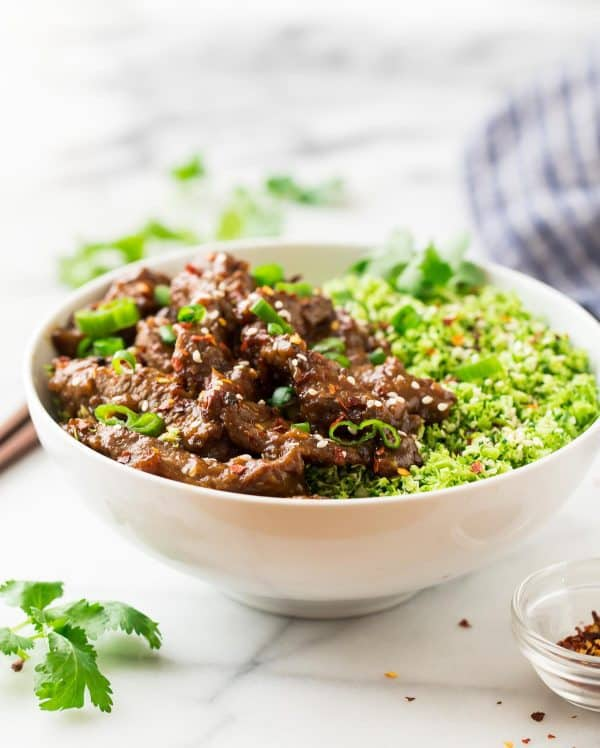This skinny Beef and Broccoli recipe is made with tender sirloin, a delicious Mongolian sauce, and broccoli rice.