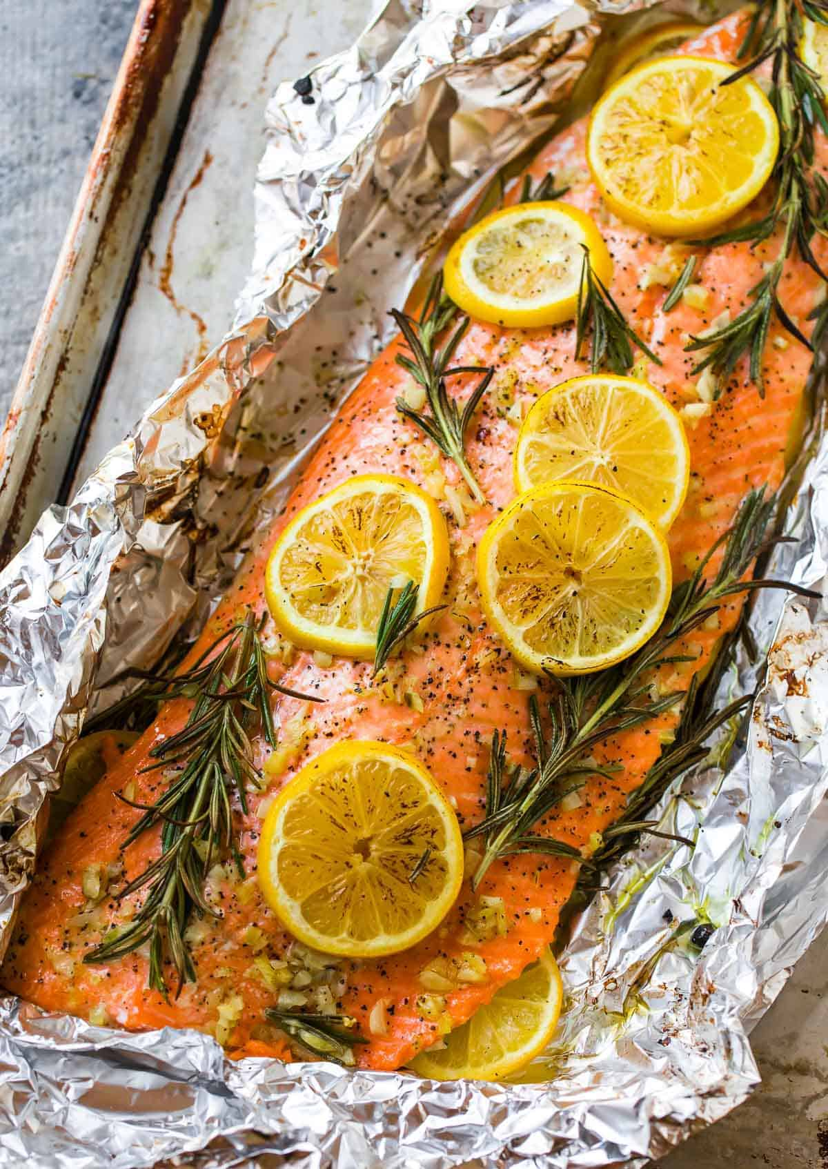 baked salmon in foil easy healthy recipe. Black Bedroom Furniture Sets. Home Design Ideas