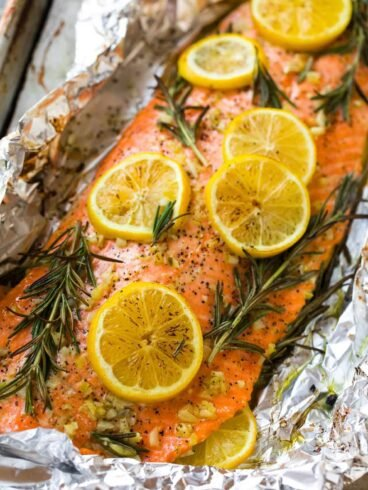 Baked Salmon in Foil with Lemon and Herbs