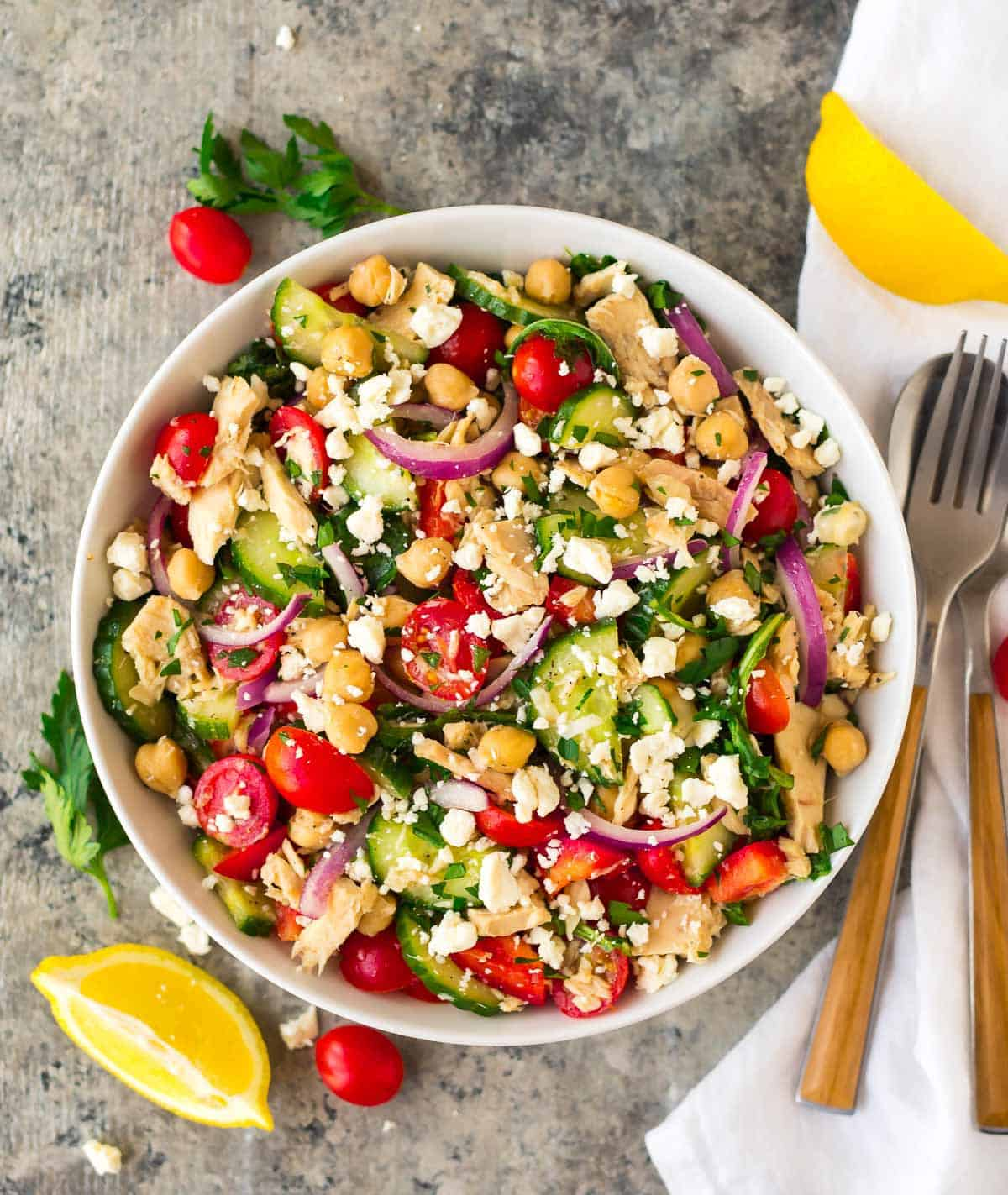 Healthy Chickpea Tuna Salad with fresh vegetables and lemon vinaigrette. A filling and delicious chickpea salad recipe!