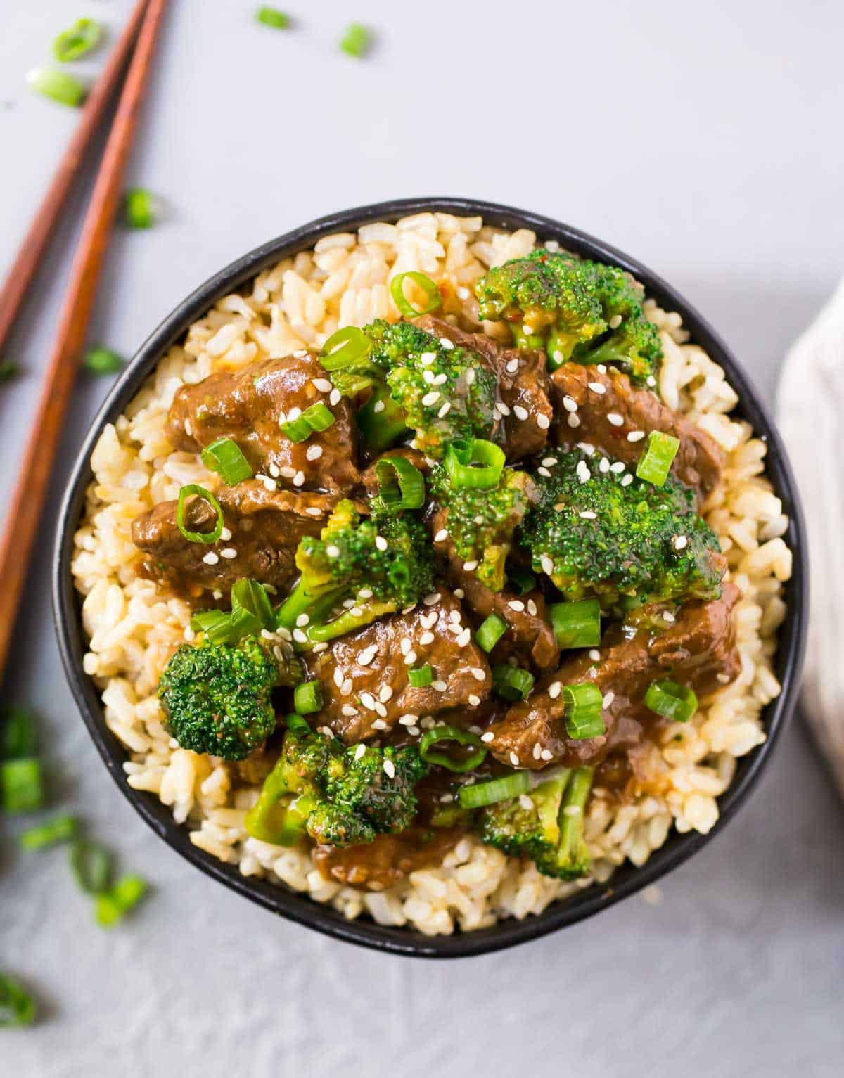Healthy Instant Pot Beef and Broccoli. Tender beef in the most flavorful Mongolian sauce. EASY and delicious! One of the best pressure cooking recipes. Serve with rice or try cauliflower rice to make it low carb!