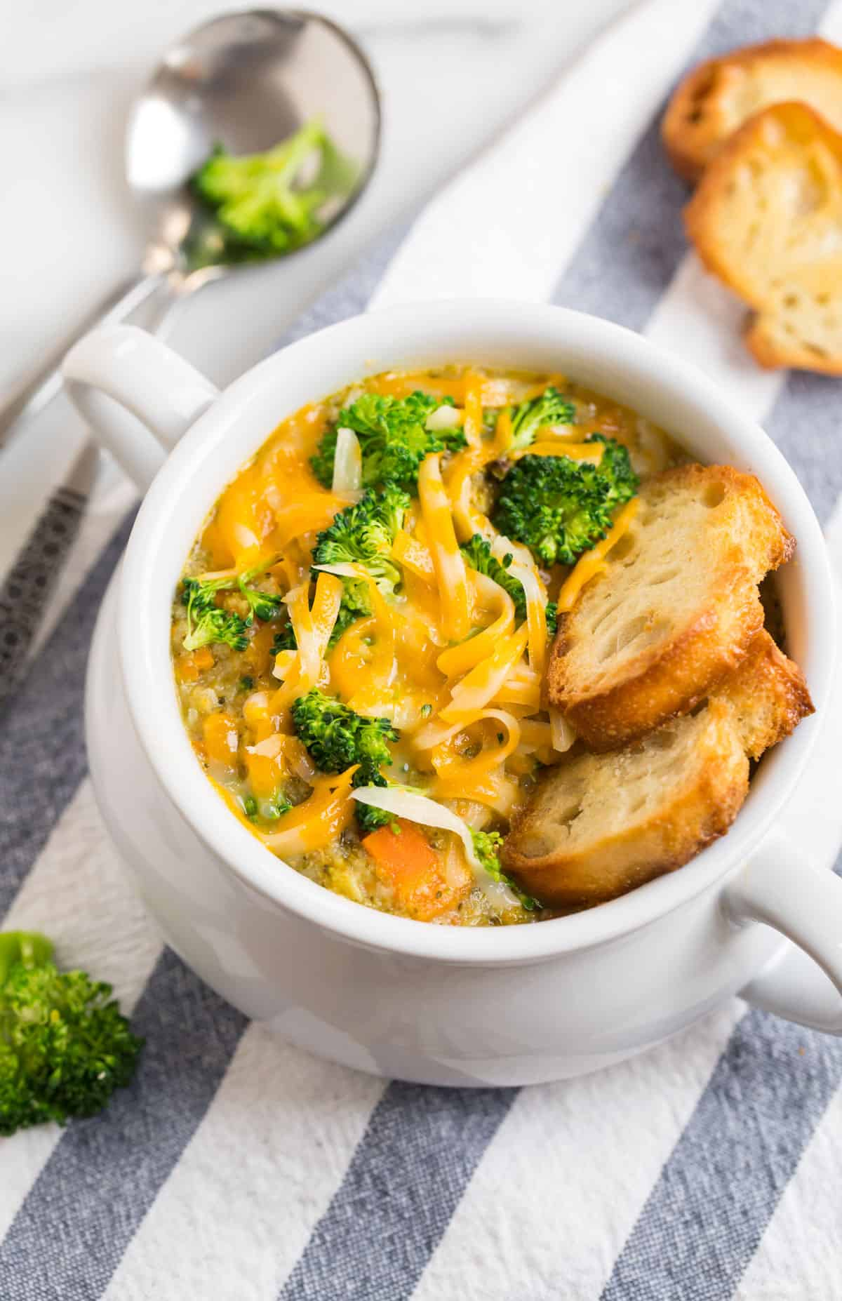 Healthy Instant Pot Broccoli Cheese Soup. Made in the pressure cooker for an easy weeknight dinner!