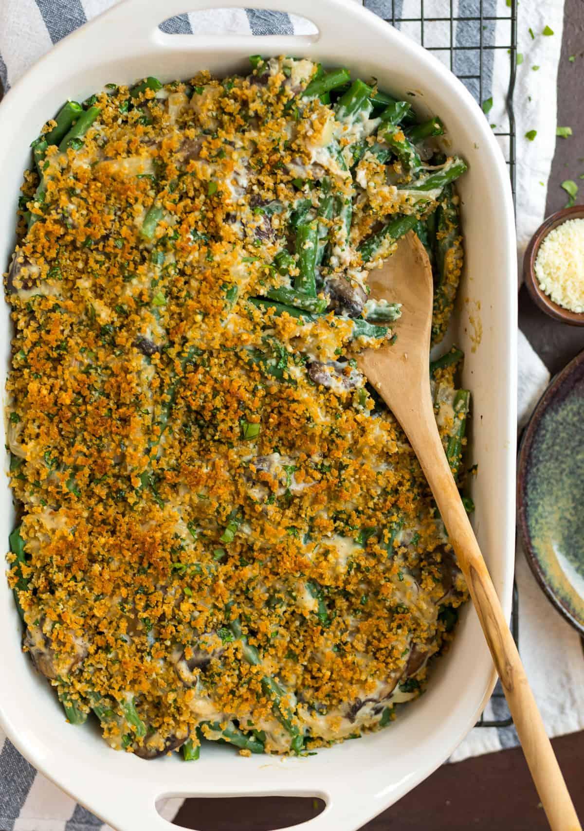 Cazuela de judías verdes saludables con champiñones