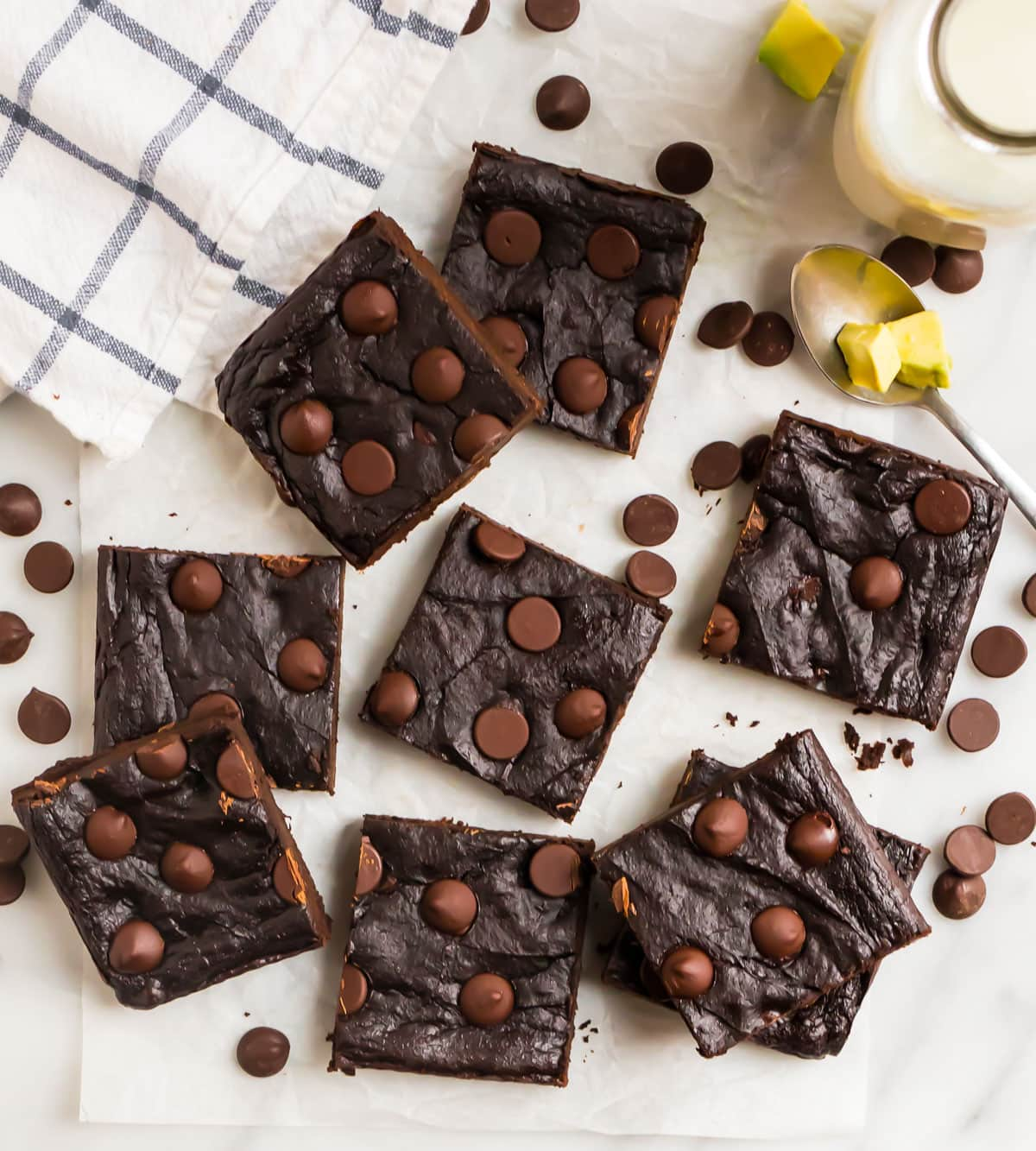 Fudgy Avocado Brownies. Everyone will love this healthy dessert!