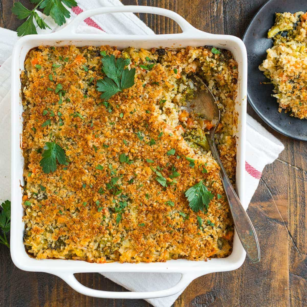 Easy broccoli rice casserole with cheese and breadcrumb topping