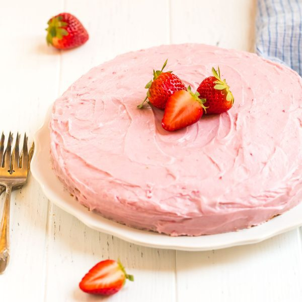 Fresh Strawberry Cake. Made with real strawberries and with an amazing cream cheese frosting.