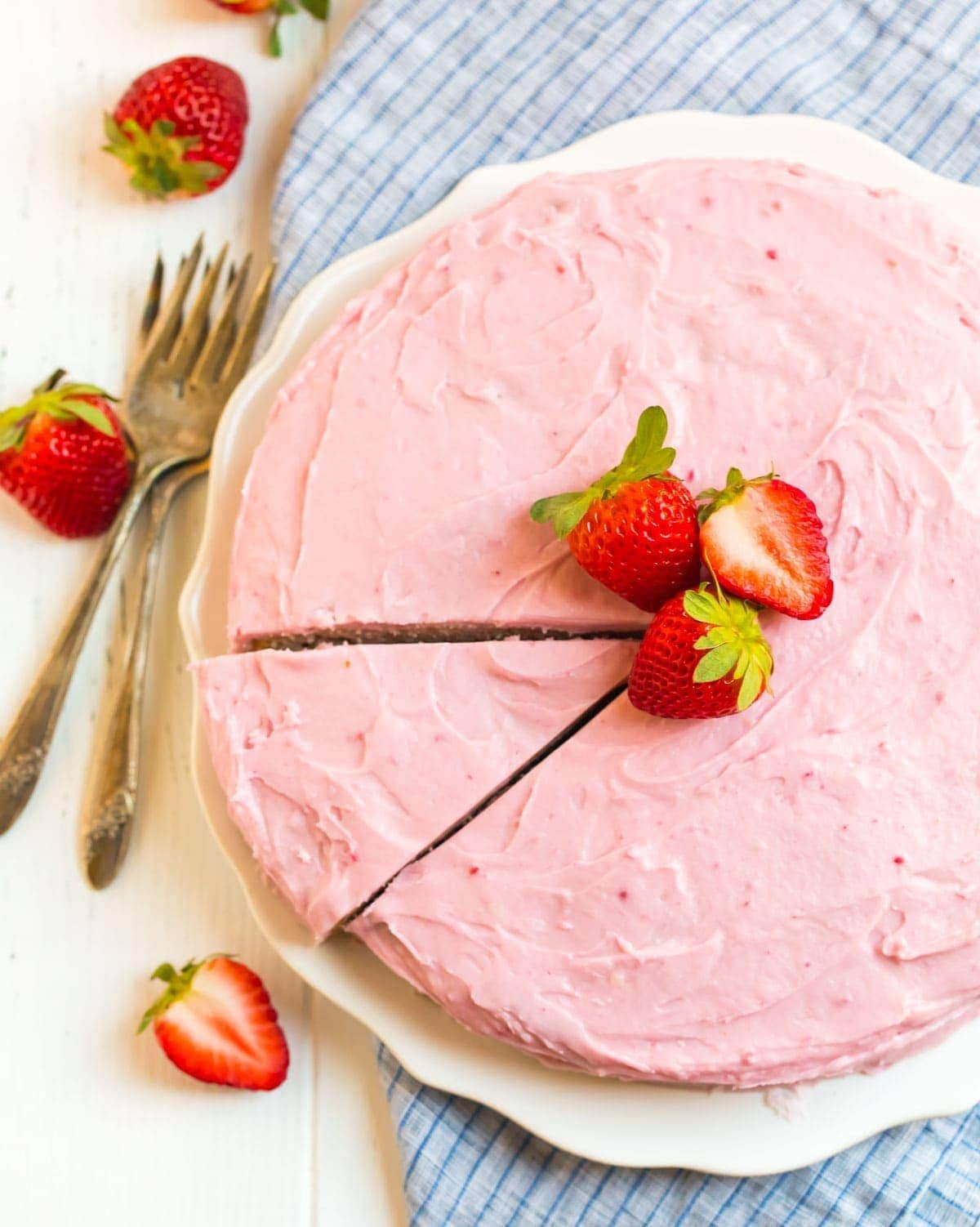Strawberry Cakes Pictures