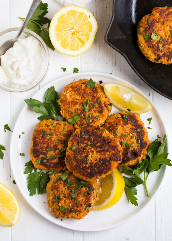 Salmon Patties with yogurt and lemon for serving