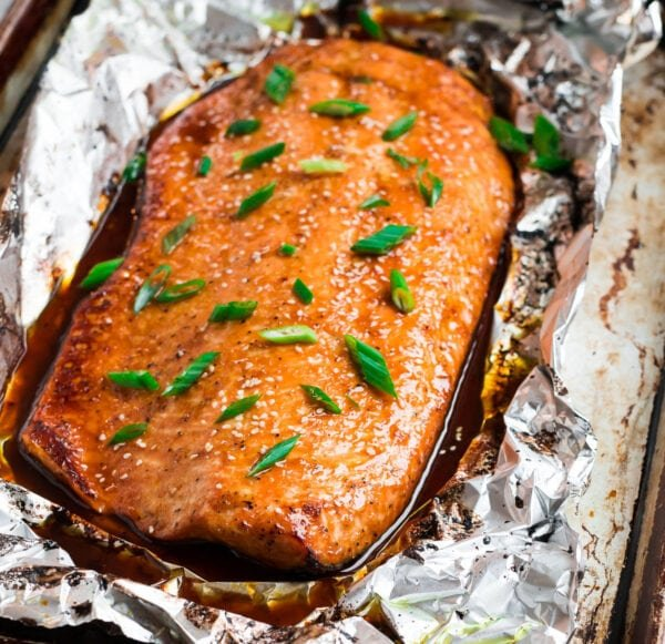 Easy and healthy teriyaki salmon in aluminum foil with green onions