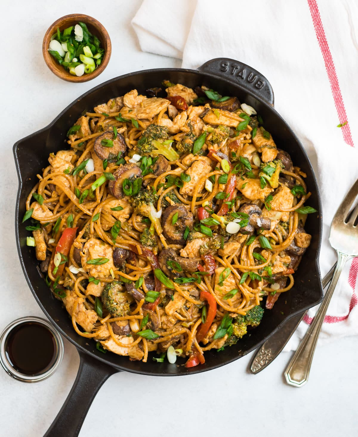 Noodle stir fry with chicken