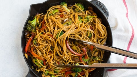 Healthy noodle stir fry with vegetables