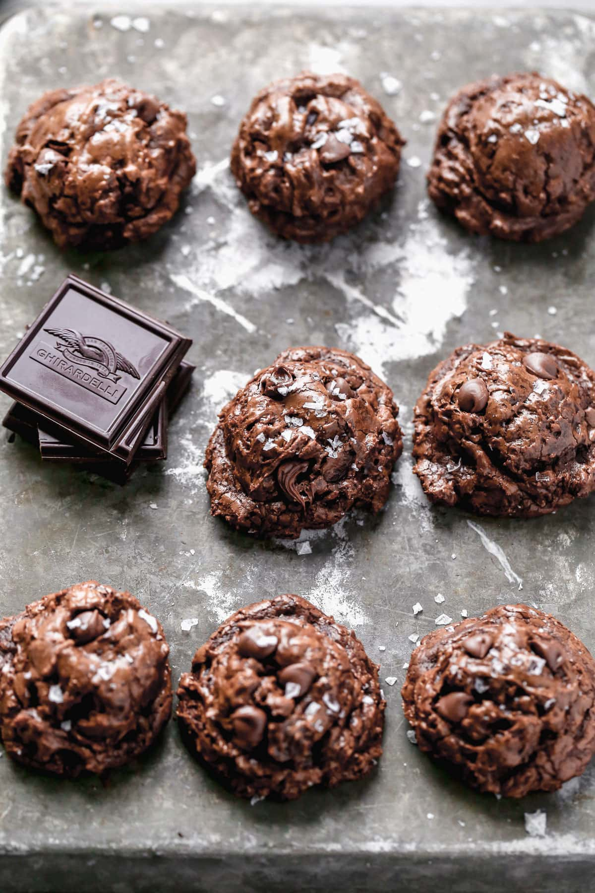 Chocolatey cookies with sea salt