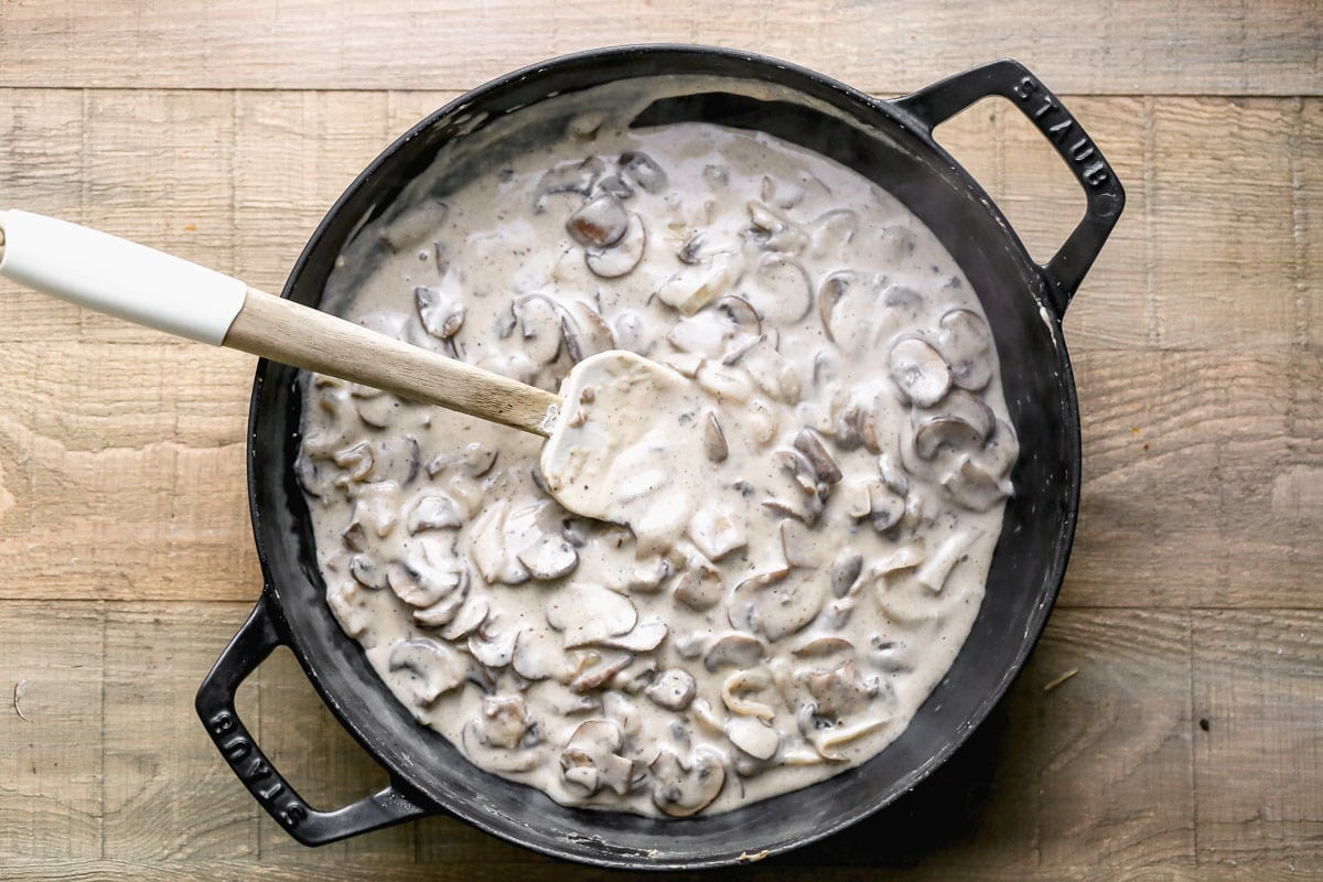 Creamy mushrooms in a skillet