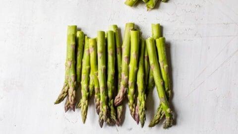 Raw asparagus spears
