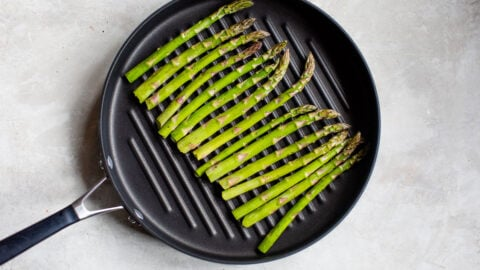 Asparagus spears in a grill pan