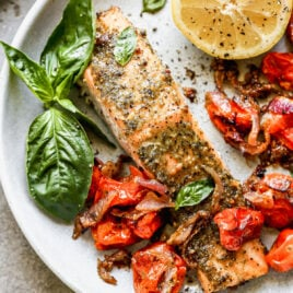 Easy pesto salmon with tomatoes