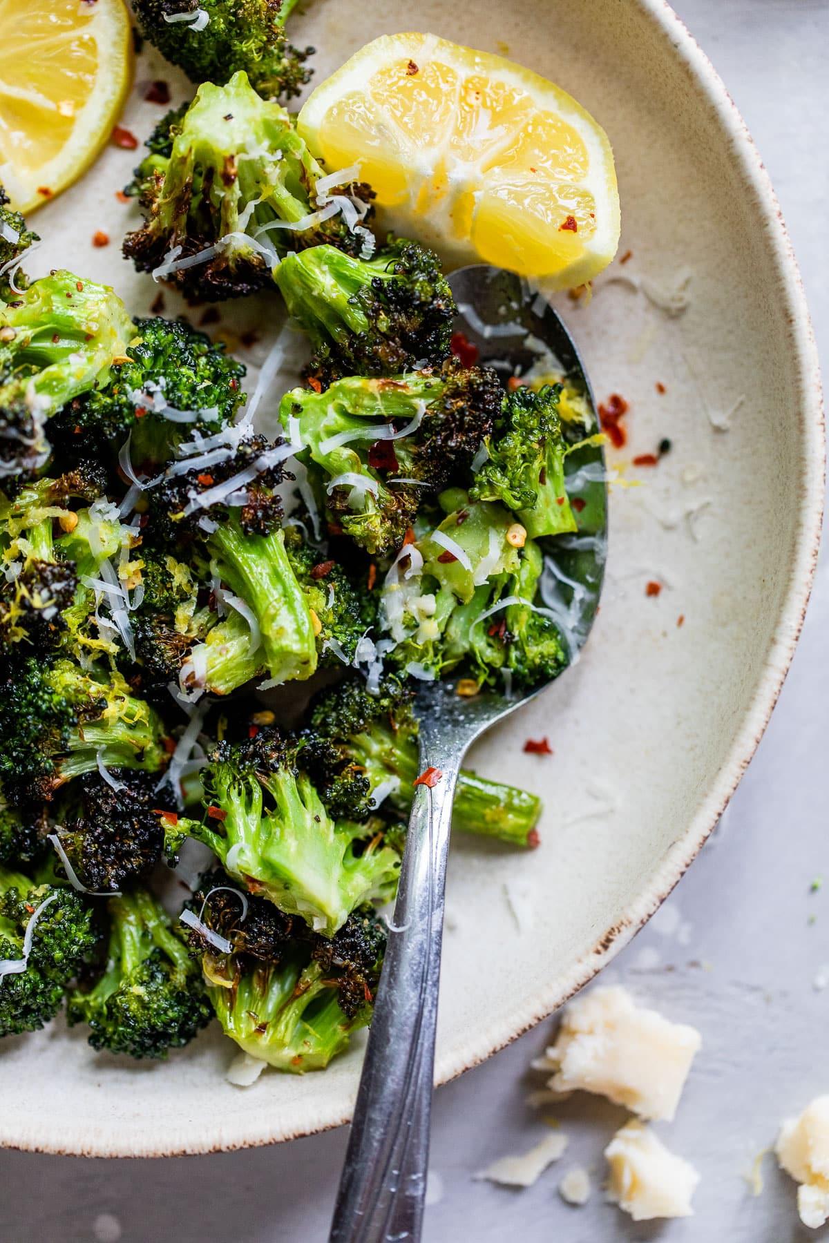 air fryer broccoli parmesan
