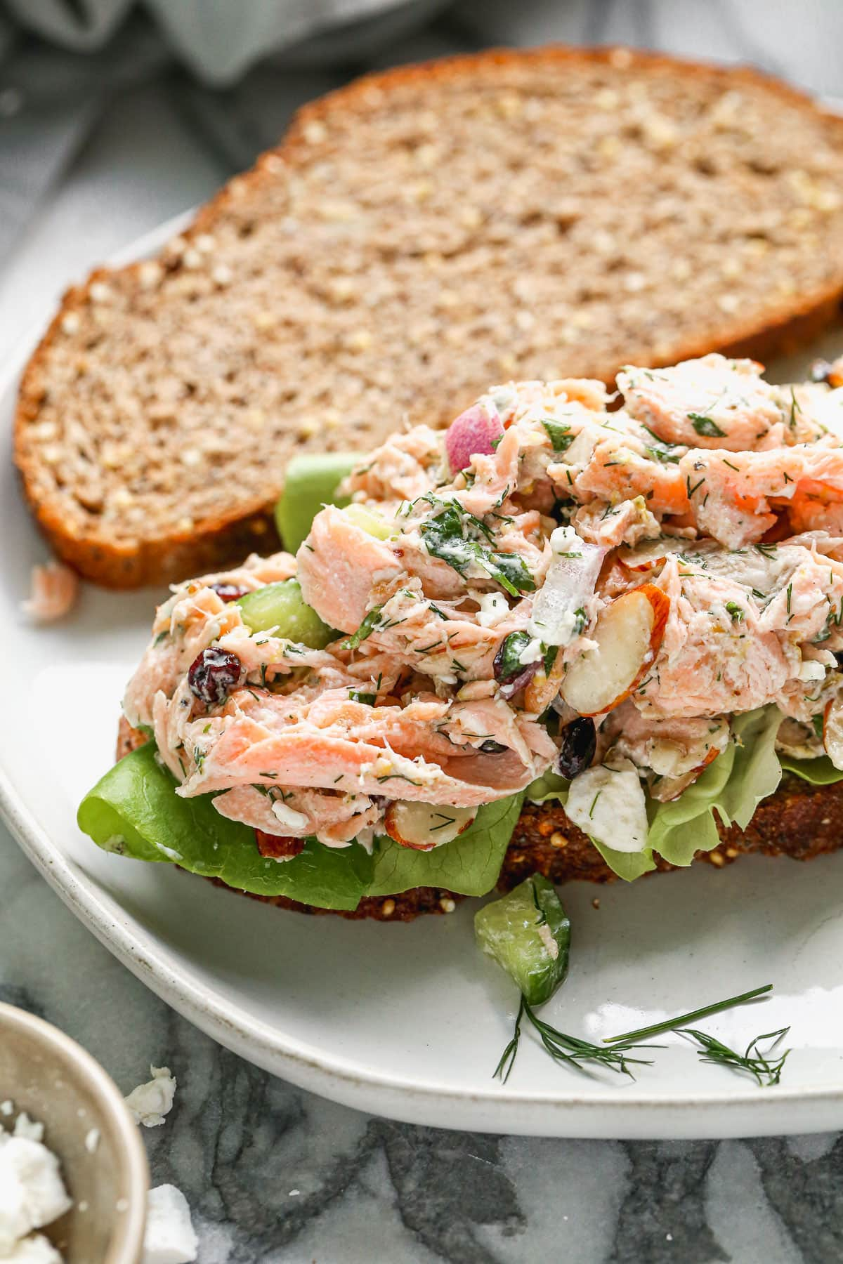 Easy salmon salad with almonds