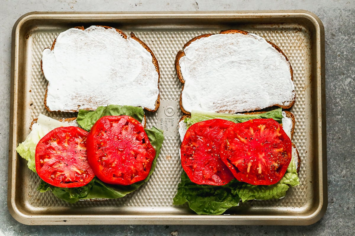 blt ingredients with fresh tomato