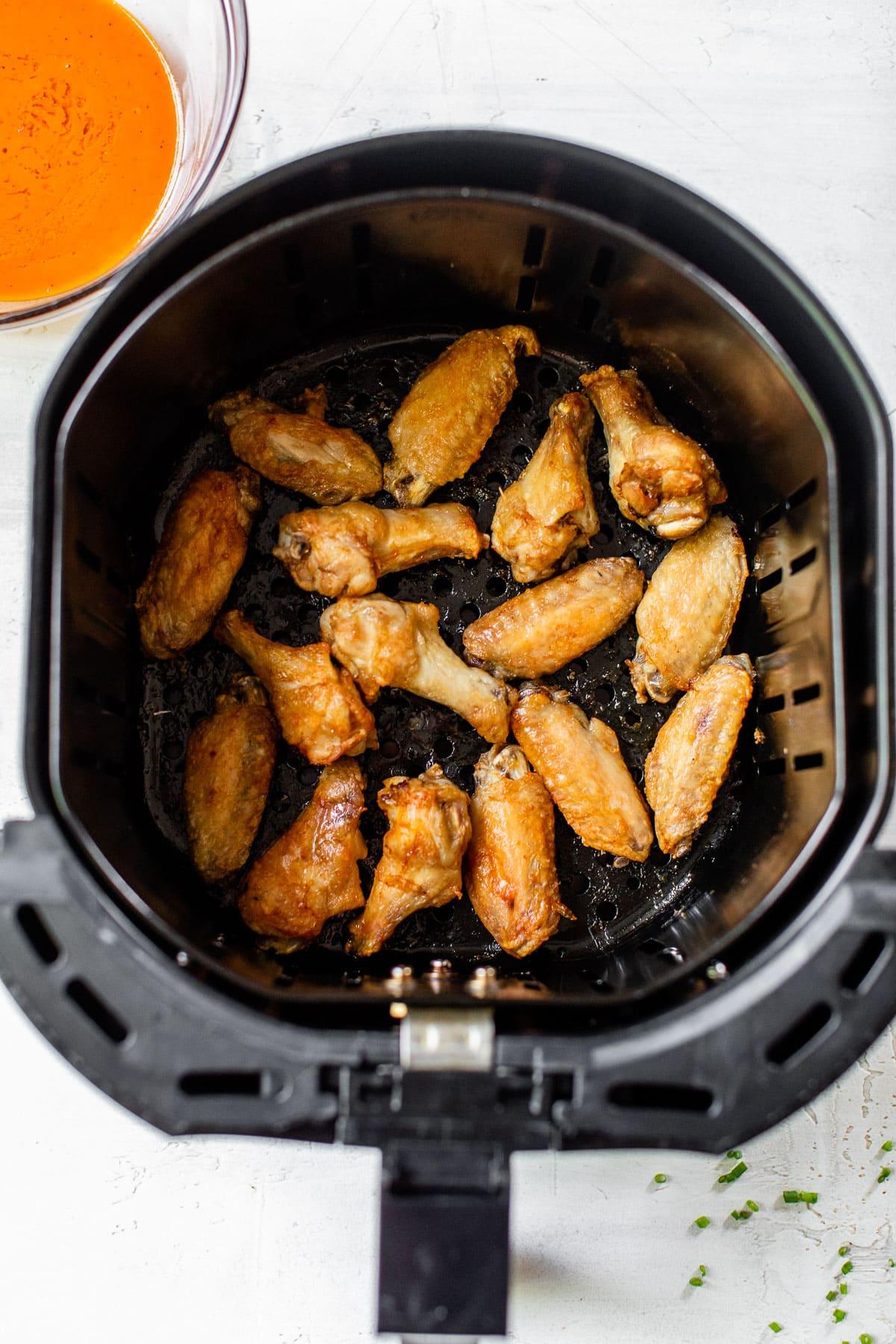 split chicken wings in air fryer basket