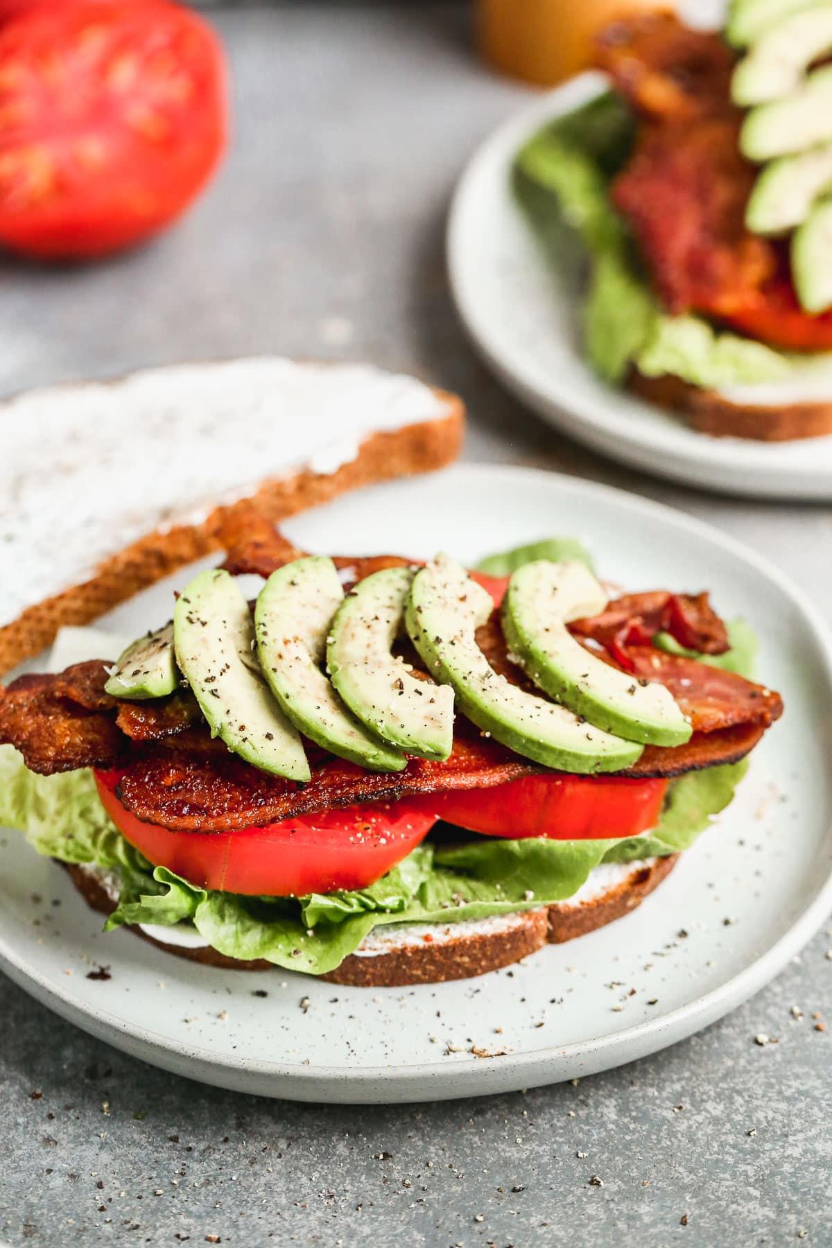 bacon lettuce tomato blt sandwich