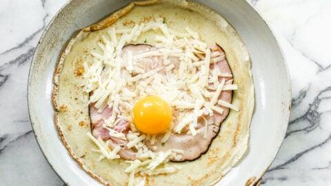 Egg, cheese, and ham breakfast recipe