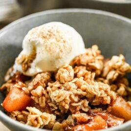 Healthy crock pot apple crisp with ice cream