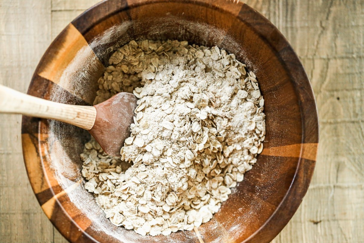 Oats and flour in a bowl
